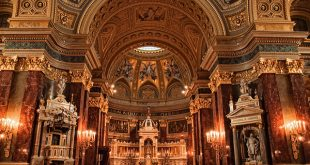St Stephen Basilica photo by Neil Howard