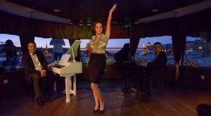 Fireworks Dinner Cruise with Bar Piano Music