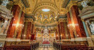 Inside pf St Stephen's Basilica by M Petravsko