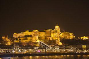 Buda Castle by Night photo by José Manuel García