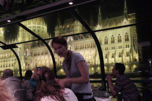 Budapest Danube Concerts on the River Restaurant